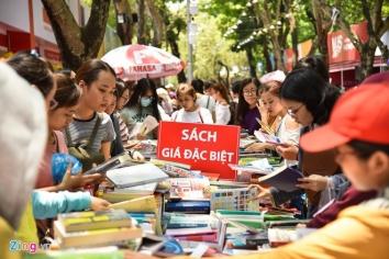 [Zingnews] Xuất bản Việt: Bài học từ Alibaba và thời cơ giữa khó khăn